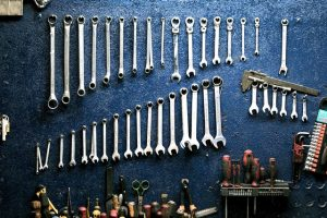 отвертки, инструменти