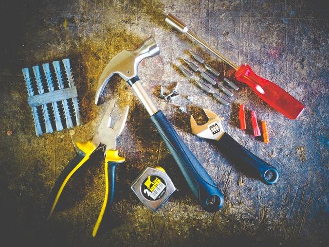 Полезни инструменти, които всеки трябва да има в дома си