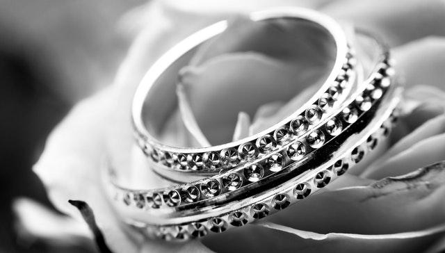 Трикове за избор на най-добрите сребърни бижута